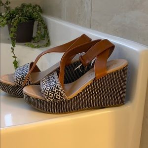 Coconuts by Matisse Wedges